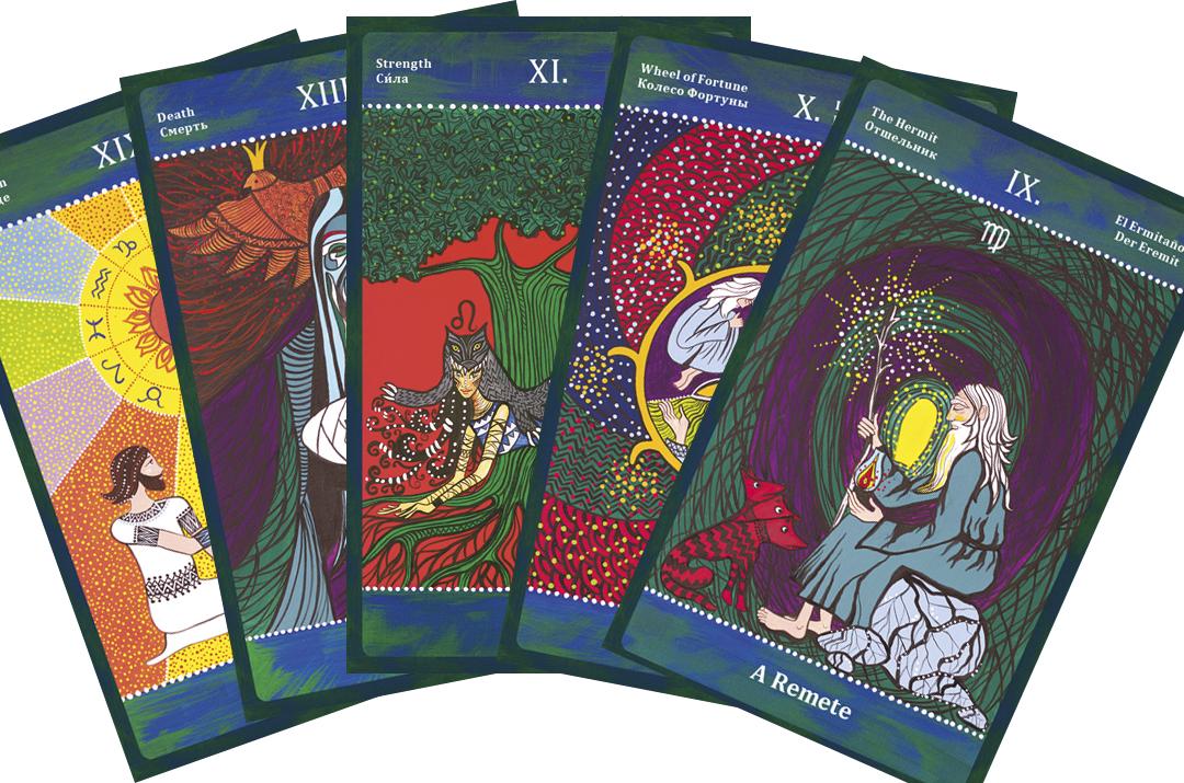 A Két Ösvény Tarot képei a III. évezred változó világának energiáiból keltek életre.